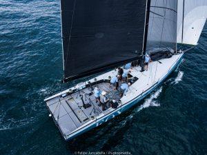 Botin 52, Fox under sail